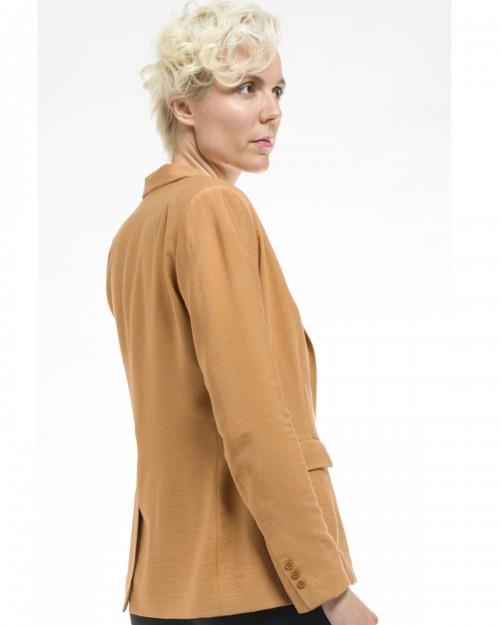 Veste tailleur coupe cintrée camel